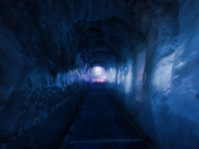 Het licht aan het einde van de tunnel - ©Bard 2017